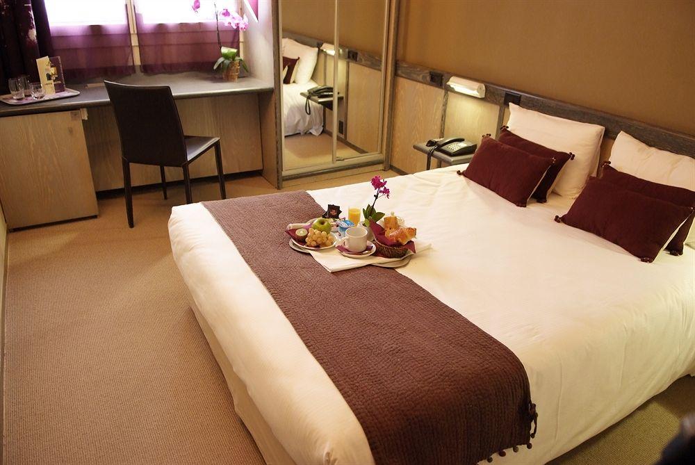 hotel villeurbanne 3 hotels compar s villeurbanne et proximit. Black Bedroom Furniture Sets. Home Design Ideas