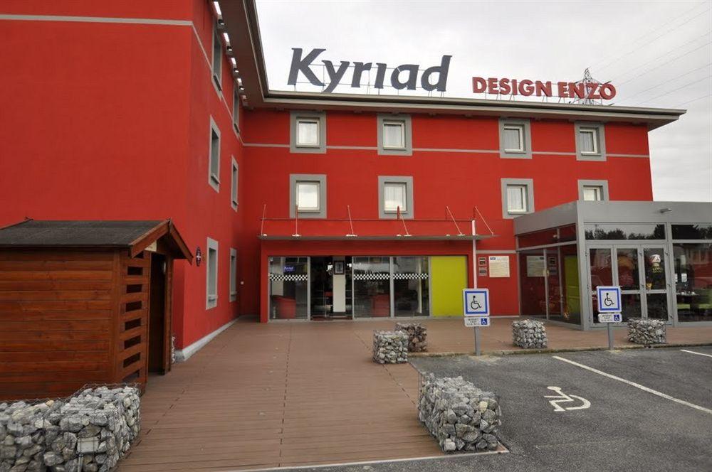 Hotel kyriad design enzo reims tinqueux reims compar for Reims agence