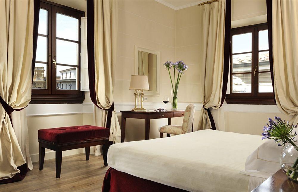hotel calzaiuoli florence compar dans 4 agences. Black Bedroom Furniture Sets. Home Design Ideas