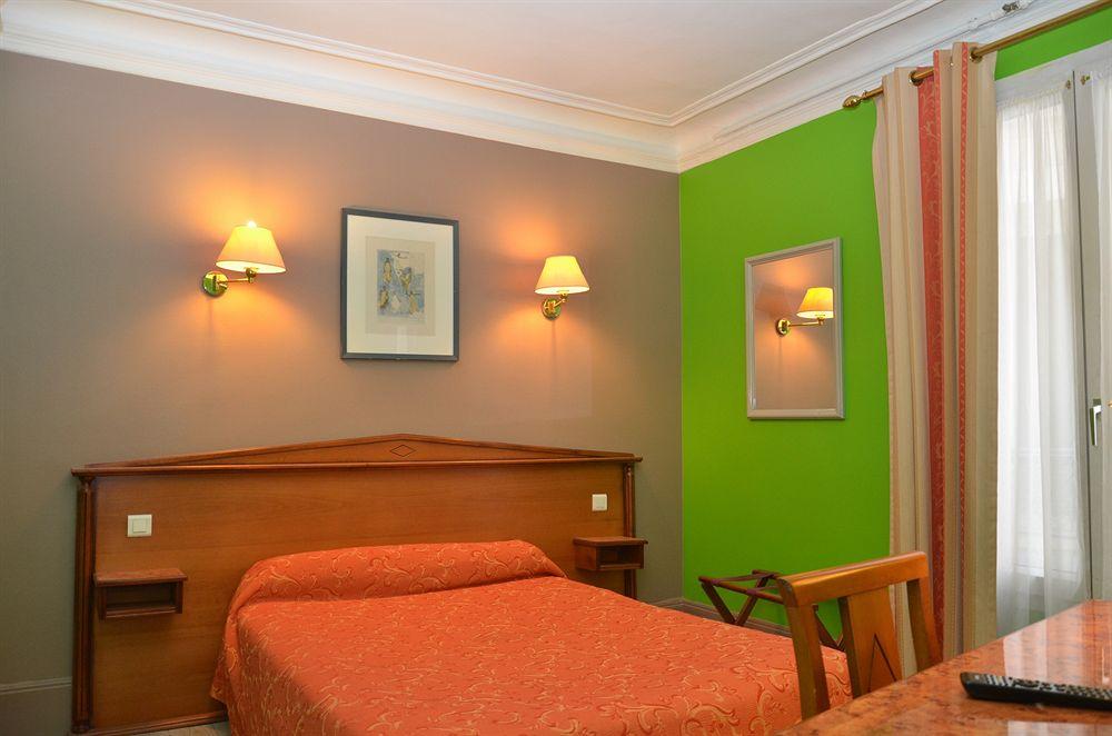 Hotel ibis styles paris gare du nord tgv paris compar for Agence avis gare du nord