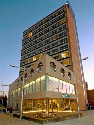 Rafaelhoteles badalona badalona compar dans 4 agences for Hotel pas cher catalogne