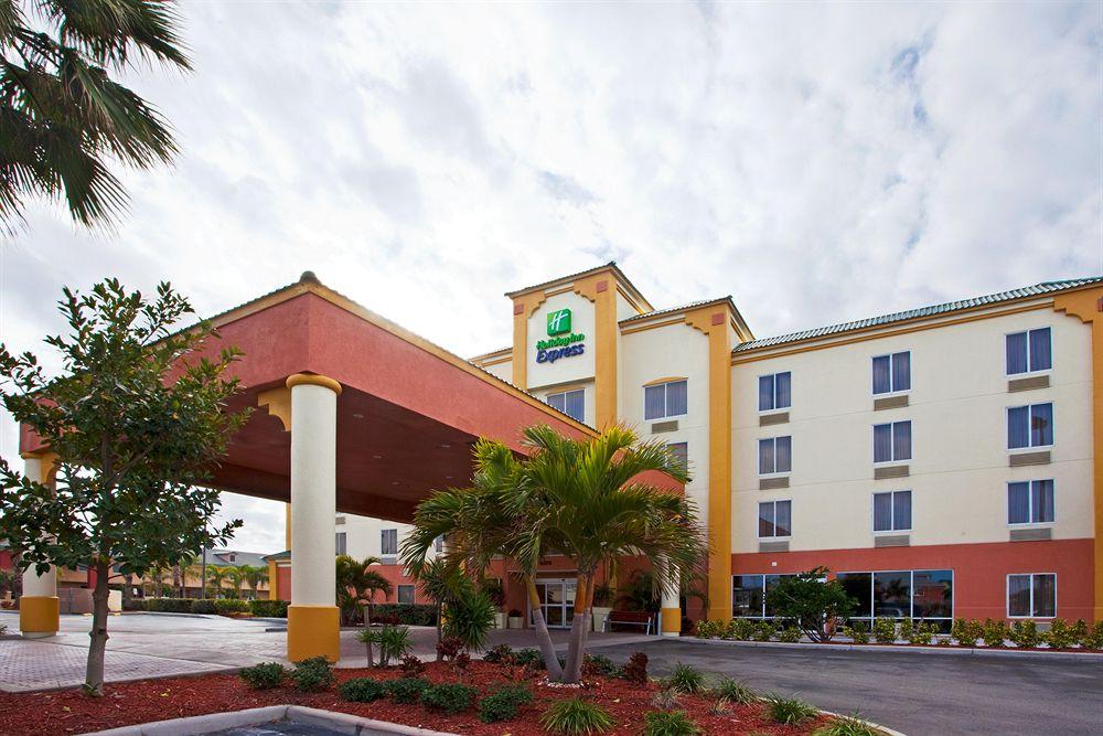 Geneva Hotel  U00e0 Miami Beach Compar U00e9 Dans 4 Agences