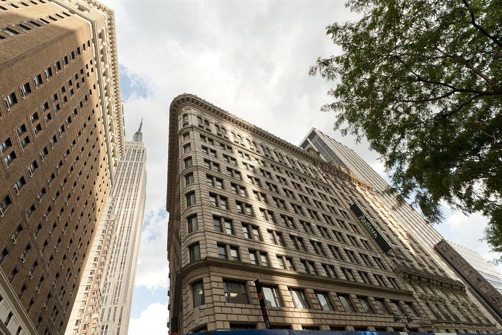 hotel radisson martinique on broadway new york compar dans 3 agences. Black Bedroom Furniture Sets. Home Design Ideas