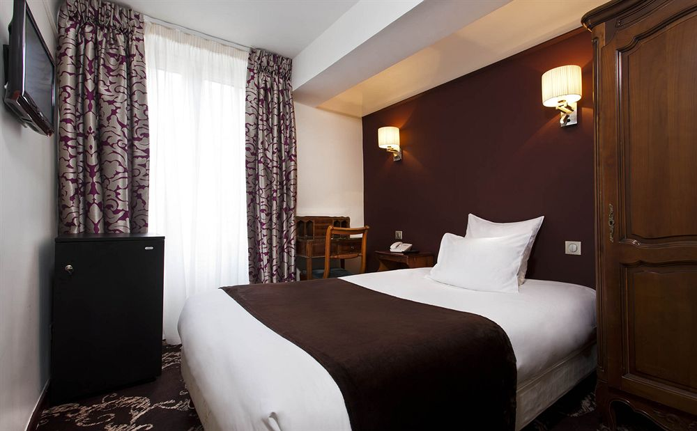 Crystal hotel paris compar dans 4 agences for Chambre de hotel france