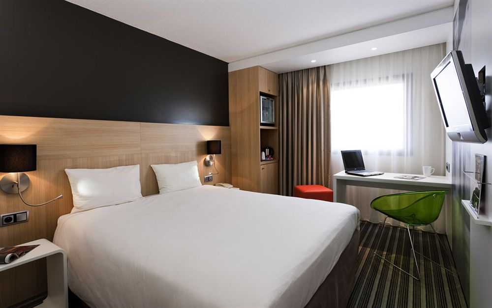 hotel mercure paris gare de lyon paris compar dans 4. Black Bedroom Furniture Sets. Home Design Ideas