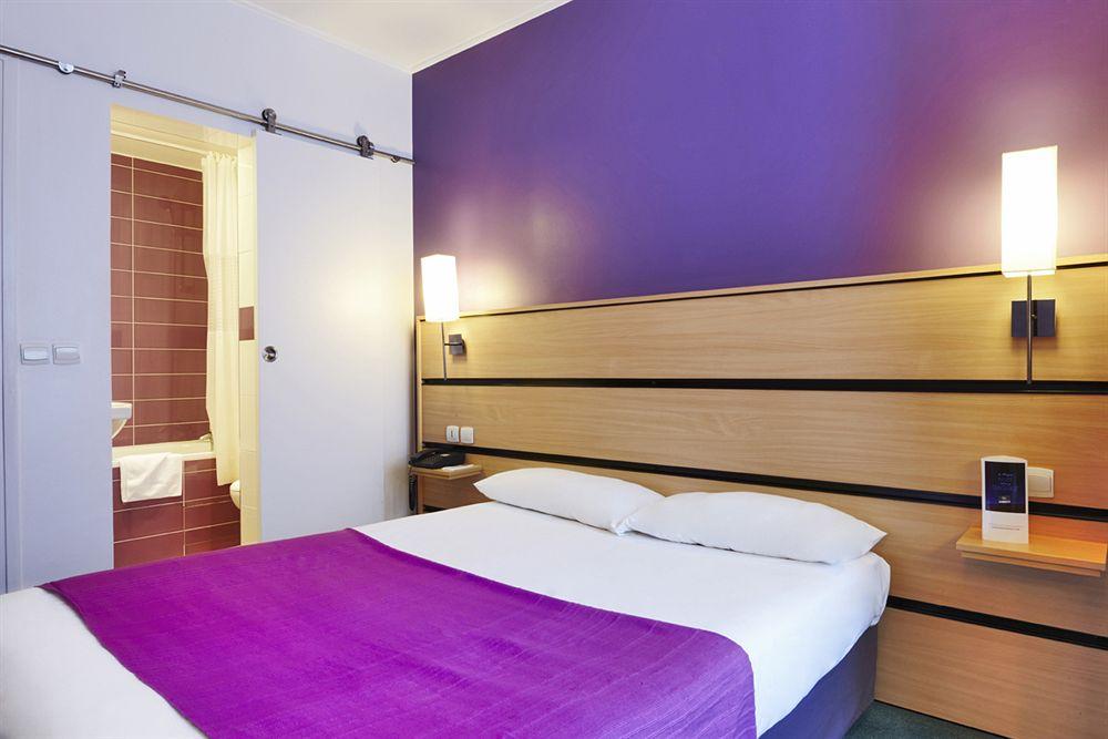 hotel ibis budget porte d 39 orleans paris compar dans 1 agence. Black Bedroom Furniture Sets. Home Design Ideas