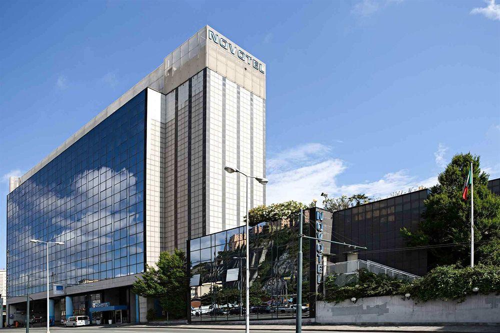 Hotel holiday inn genoa city genes compar dans 2 agences for Hotels genes