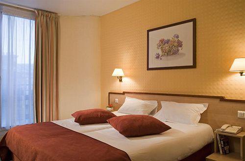 Hotel ibis styles paris porte d 39 orleans montrouge for Appart hotel cachan
