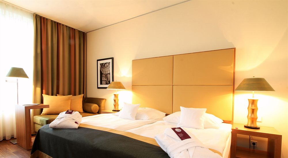 mercure hotel hamburg city hambourg compar dans 4 agences. Black Bedroom Furniture Sets. Home Design Ideas
