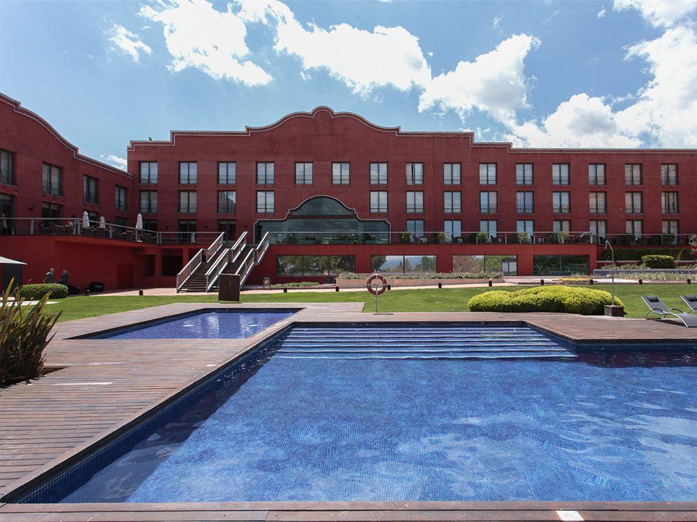 Hotel barcelona golf resort barcelone compar dans 3 agences for Chaine hotel pas cher en france