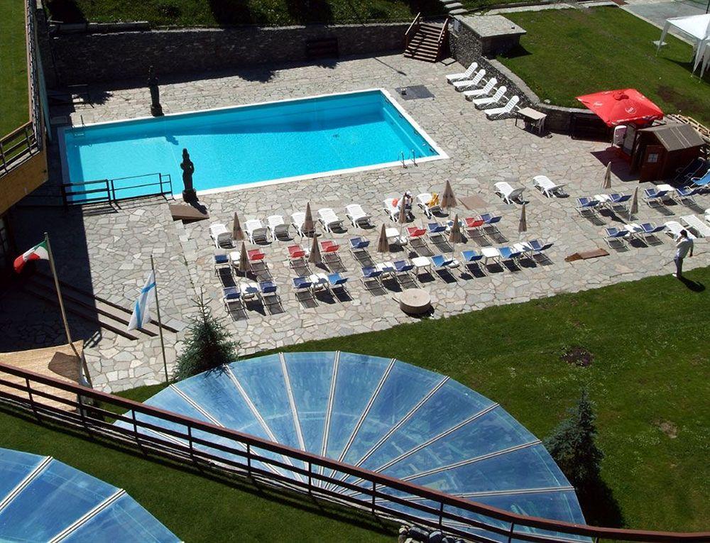 Grand hotel sestriere sestriere compar dans 2 agences for Comparateur hotel italie