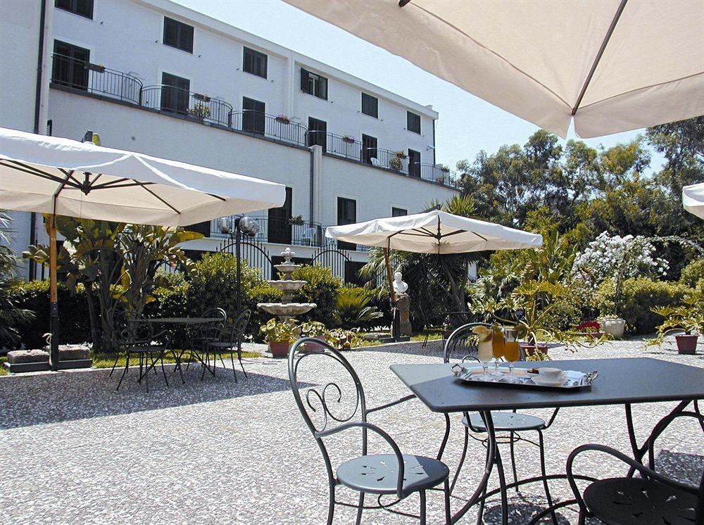 Hotel villa d amato palerme compar dans 4 agences for Comparateur hotel italie