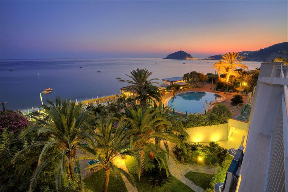 Hotel parco smeraldo terme barano d ischia compar dans for Comparateur hotel italie