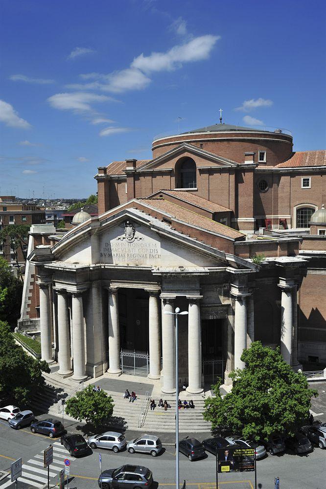 Grand hotel ritz rome compar dans 4 agences for Comparateur hotel italie