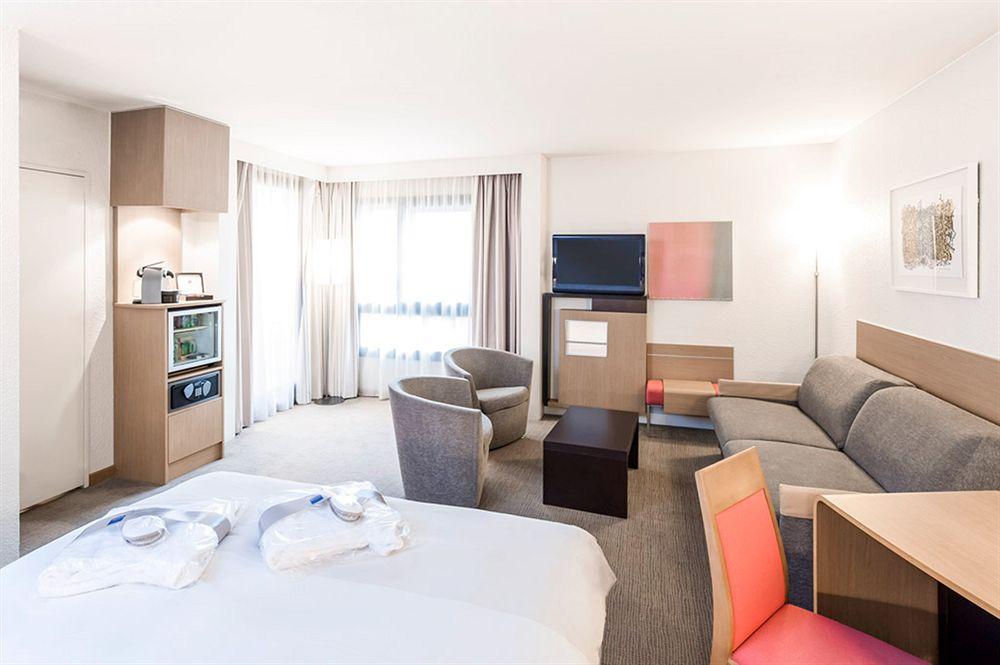 Hotel Campanile Lyon Tassin  U00e0 Tassin La Demi Lune Compar U00e9