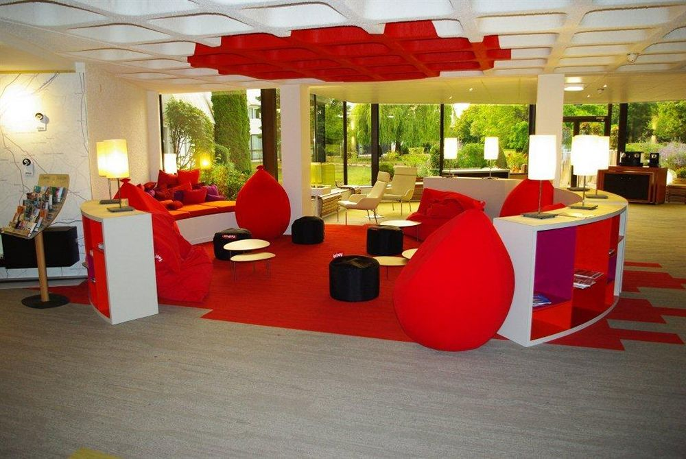 Hotel balladins tours sud chambray les tours compar for Hotel design sud france