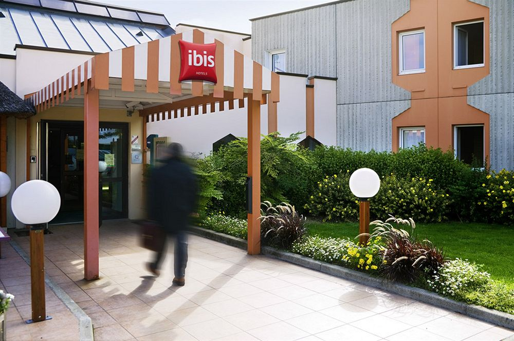 hotel ibis reims tinqueux tinqueux compar dans 3 agences. Black Bedroom Furniture Sets. Home Design Ideas
