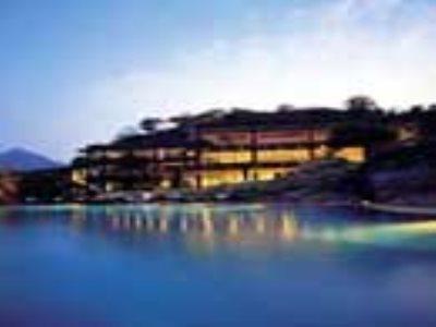 hotel heritance kandalama dambulla compar dans 4 agences. Black Bedroom Furniture Sets. Home Design Ideas