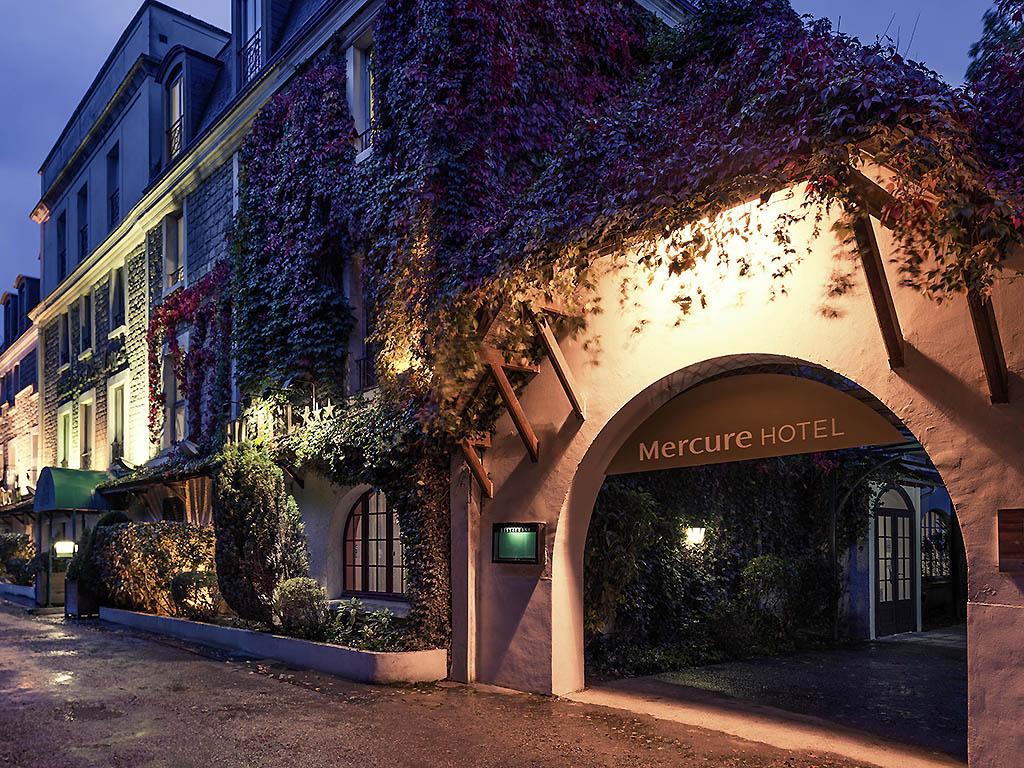 Relais chateaux hotel cazaudehore la forestiere - La poste st germain en laye ...