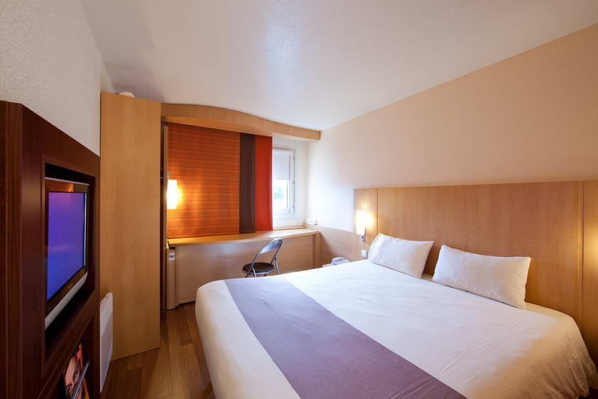 Hotel ibis cergy pontoise le port cergy compar dans 6 for Comparateur appart hotel