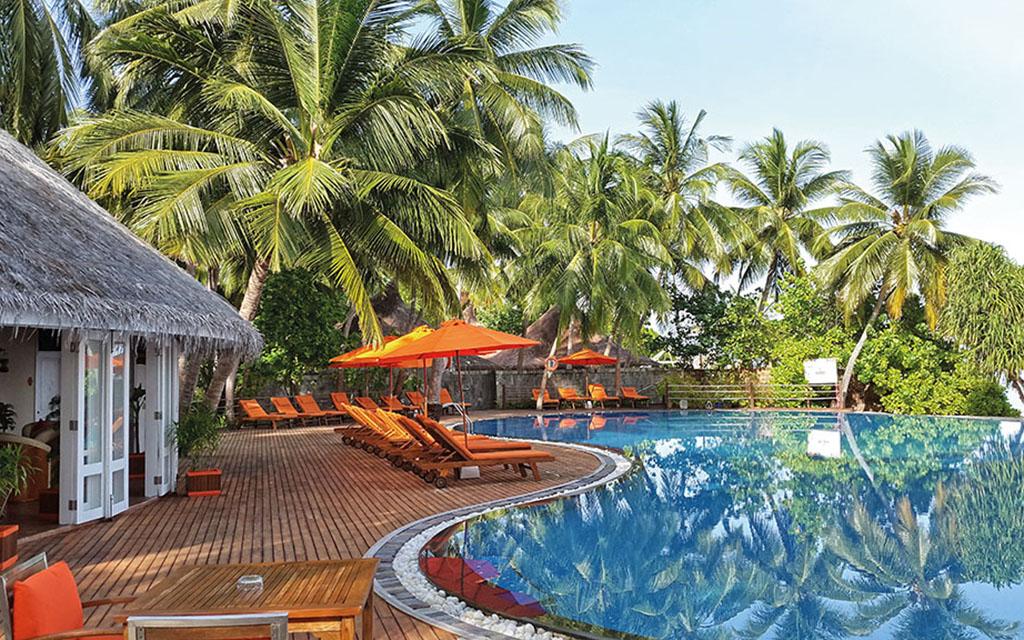 S jour dans l 39 tablissement hotel rihiveli male avion for Hotel demi pension