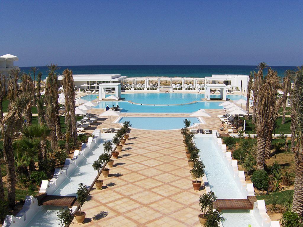 S jour dans l 39 tablissement hotel ramada liberty resort for Sejour complet tunisie