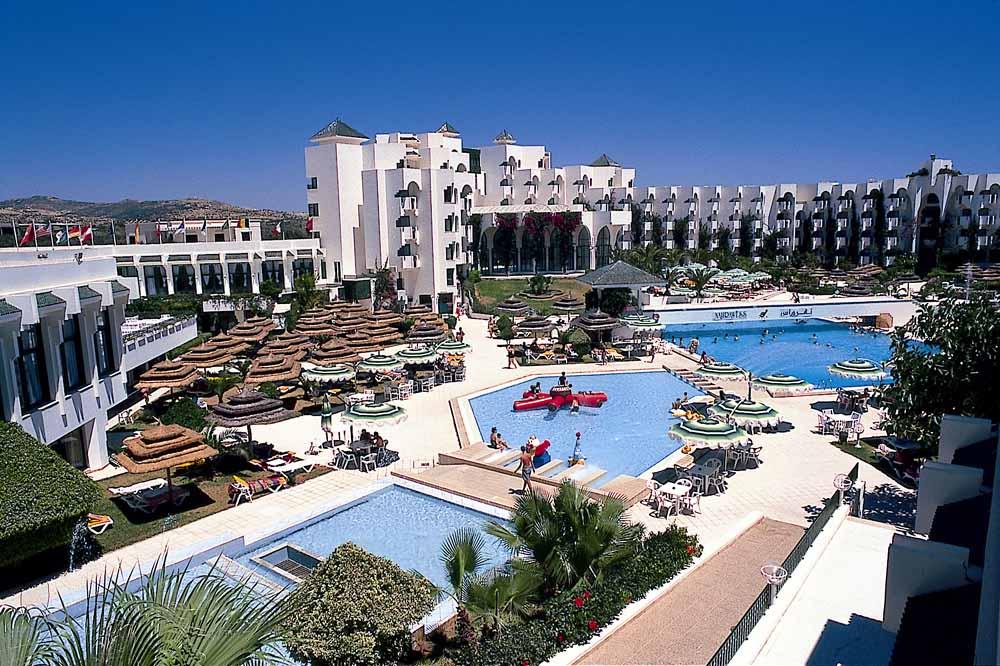 S jour dans l 39 tablissement vincci nozha beach resort and for Salon 9 places tunisie