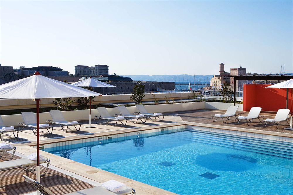 Radisson Blu Hotel Marseille Vieux Port  Marseille Compar Dans